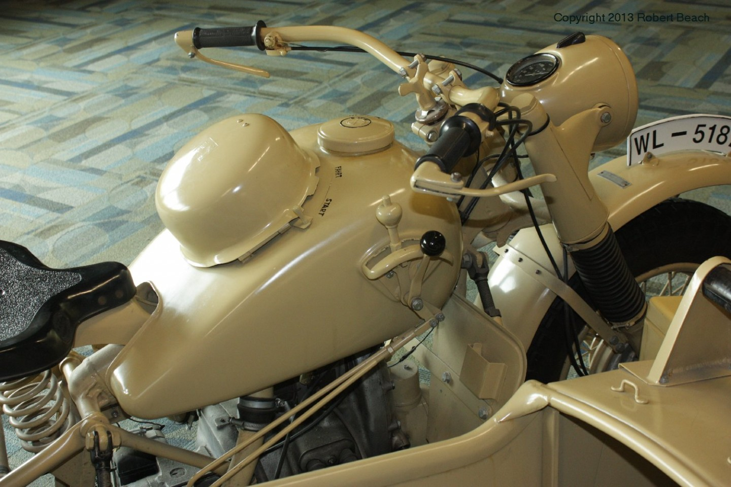 BMW_Mtrcycle_sidecar_cycle_frnt_frm rt